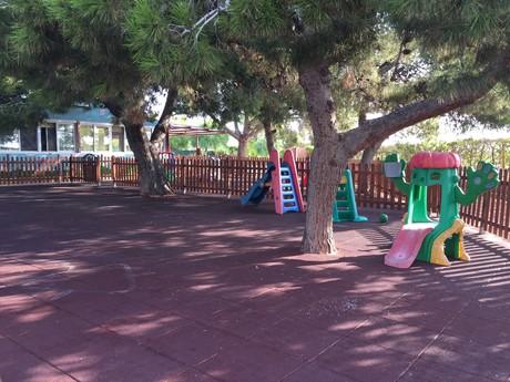 Parque exterior privado para recreo